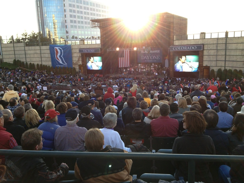 Huge crowd for Romney.jpg
